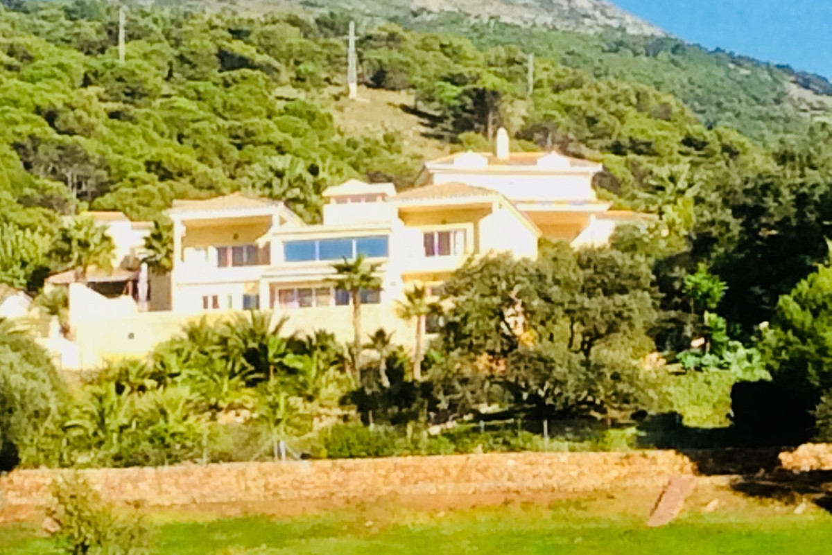 A truly magnificent detached villa in superb condition, (like new), located front line golf with out, Spain