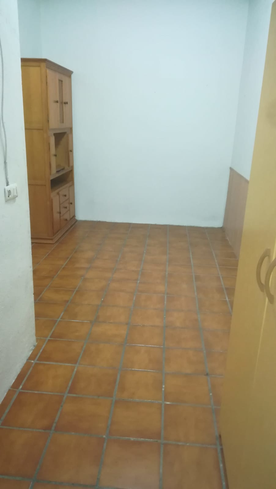 Very good located townhouse near the airport and a Golf courses, with health center, supermarket and,Spain