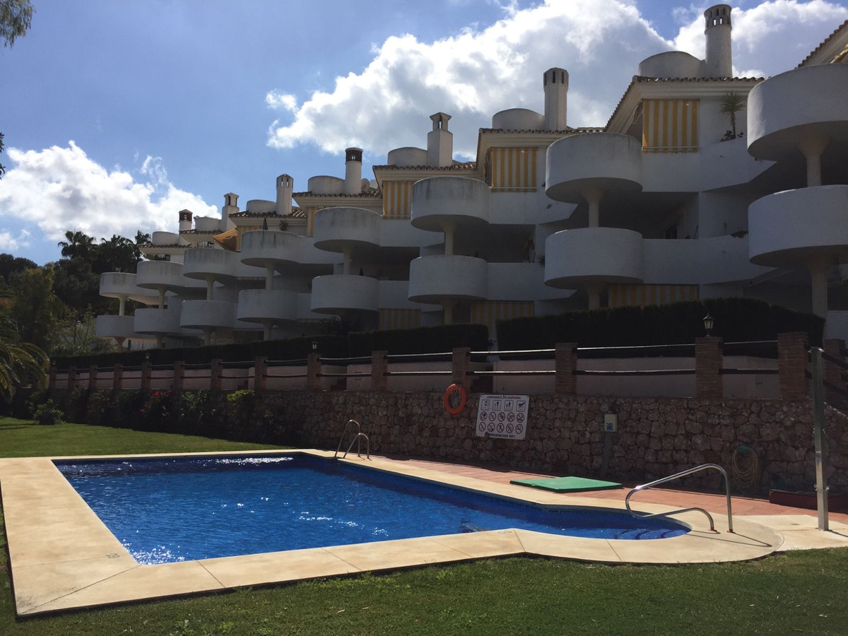 A beautiful penthouse apartment located in a quiet urbanisation on Avenida de Espana in Calahonda. T, Spain
