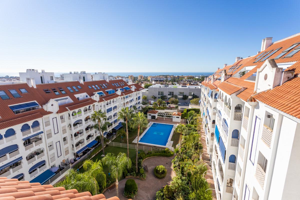 Marbella Banus Apartamento en Venta en San Pedro de Alcántara – R3921592