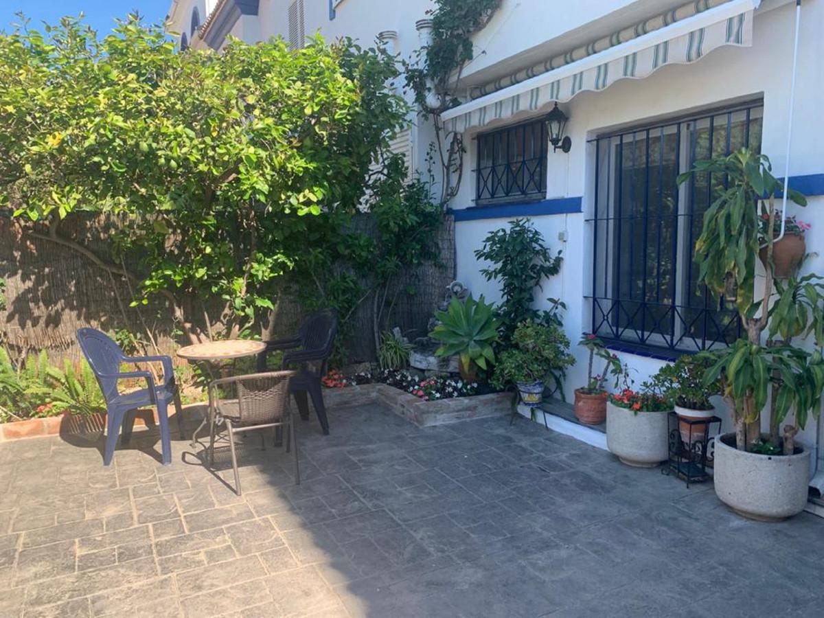 Maison Jumelée, Mitoyenne  en vente    à San Pedro de Alcántara