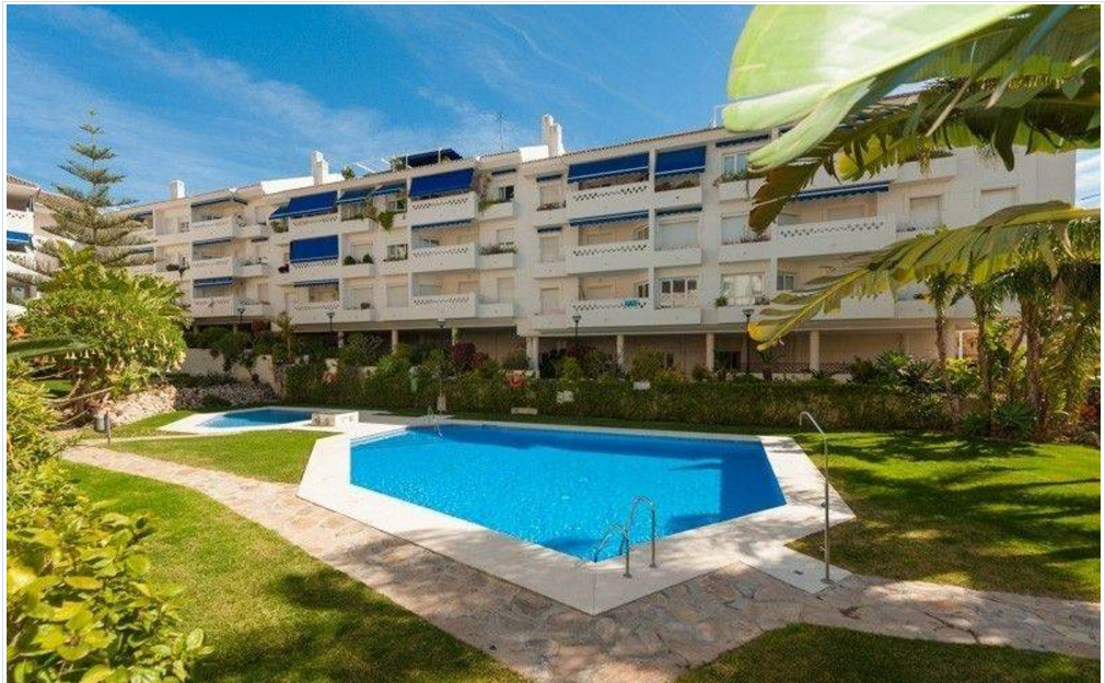 Middle Floor Apartment, San Pedro de Alcantara, Costa del Sol. 3 Bedrooms, 2 Bathrooms, Built 100 m², Spain