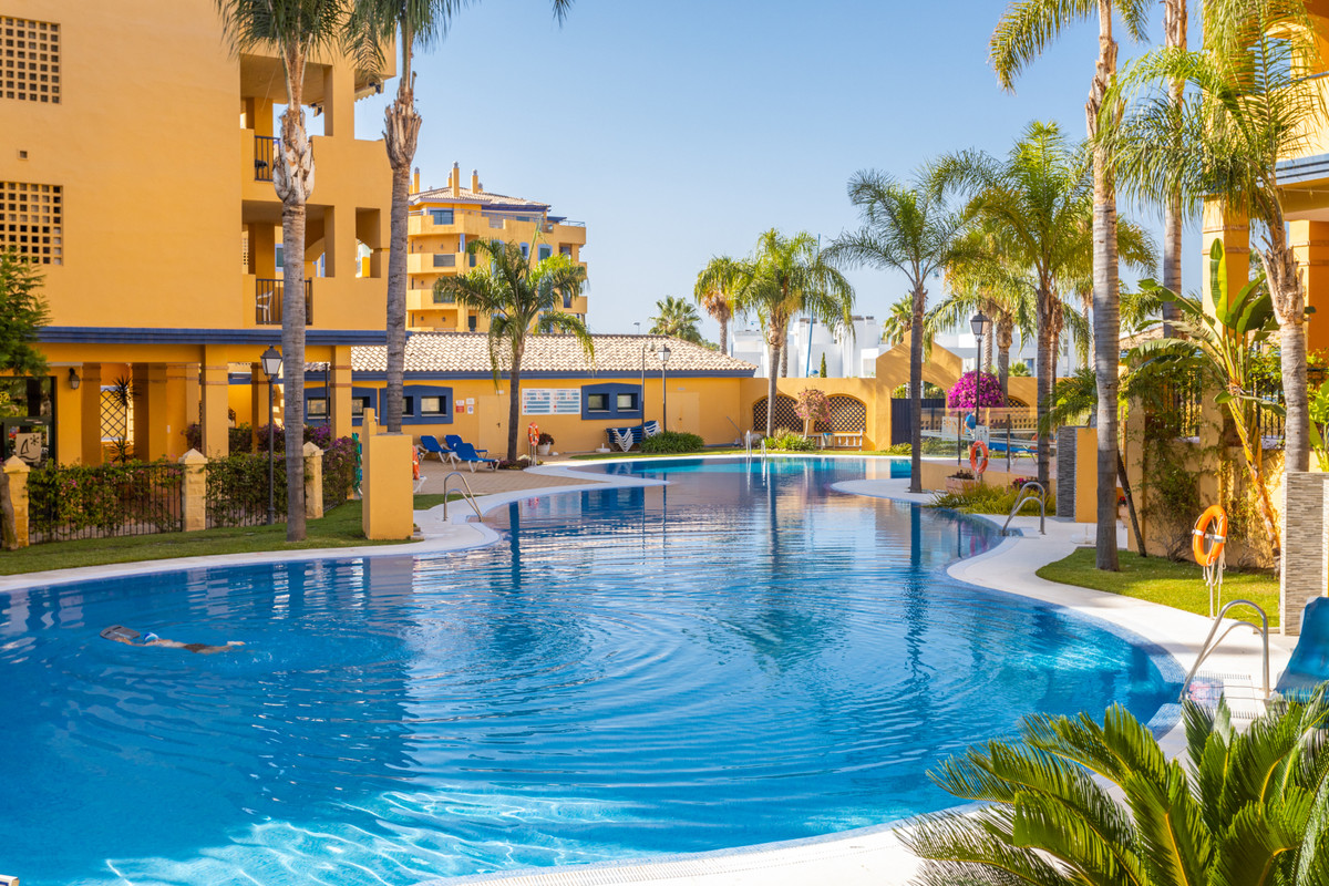 Unbeatable apartment for sale in the Nueva Alcantara area. It has two large bedrooms, two bathrooms ,Spain