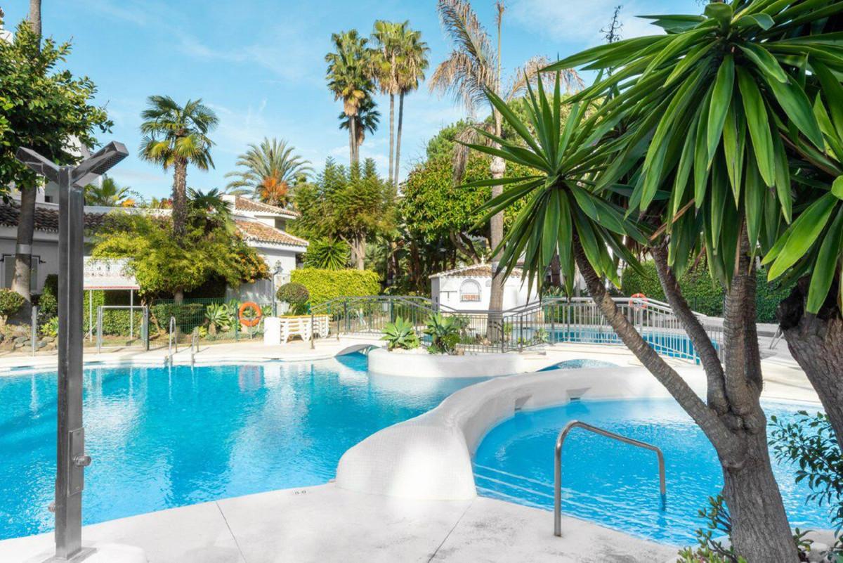 Marbella Banus Apartamento Planta Baja en Venta en Las Chapas – R3259258