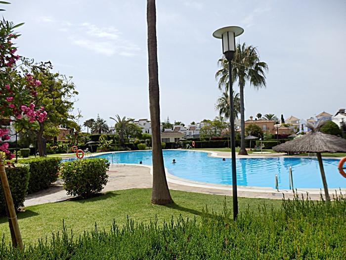 Marbella Banus Apartamento Planta Baja en Venta en San Pedro de Alcántara – R2955863