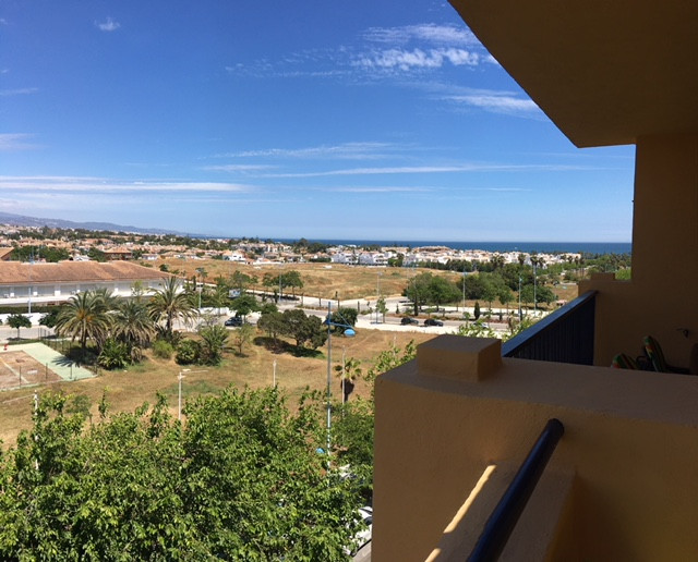 Middle Floor Apartment, San Pedro de Alcantara, Costa del Sol. 3 Bedrooms, 2.5 Bathrooms, Built 130 , Spain