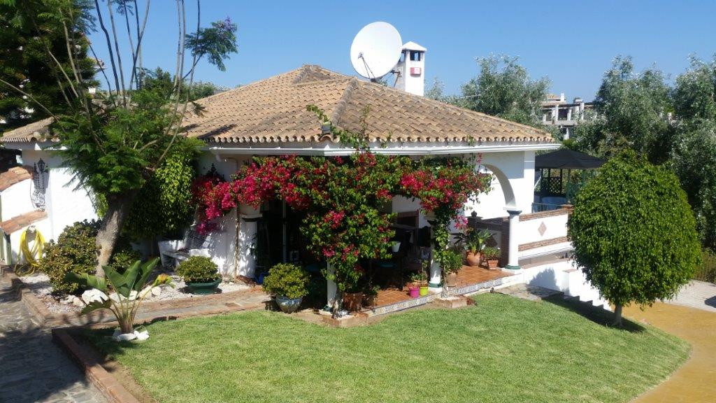 Beautiful renovated detached villa with private pool including large additional adjacent plot. Views,Spain