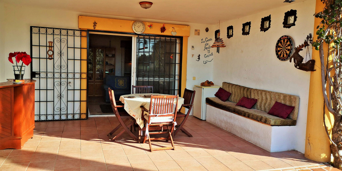 A fantastic investment property and holiday home due its location and surroundings, this cozy 2 bedr, Spain