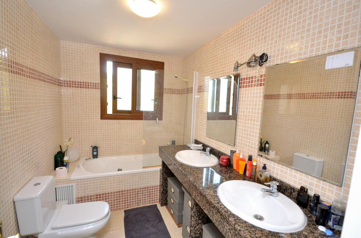 Apartamento en Venta en La Mairena – R3765775