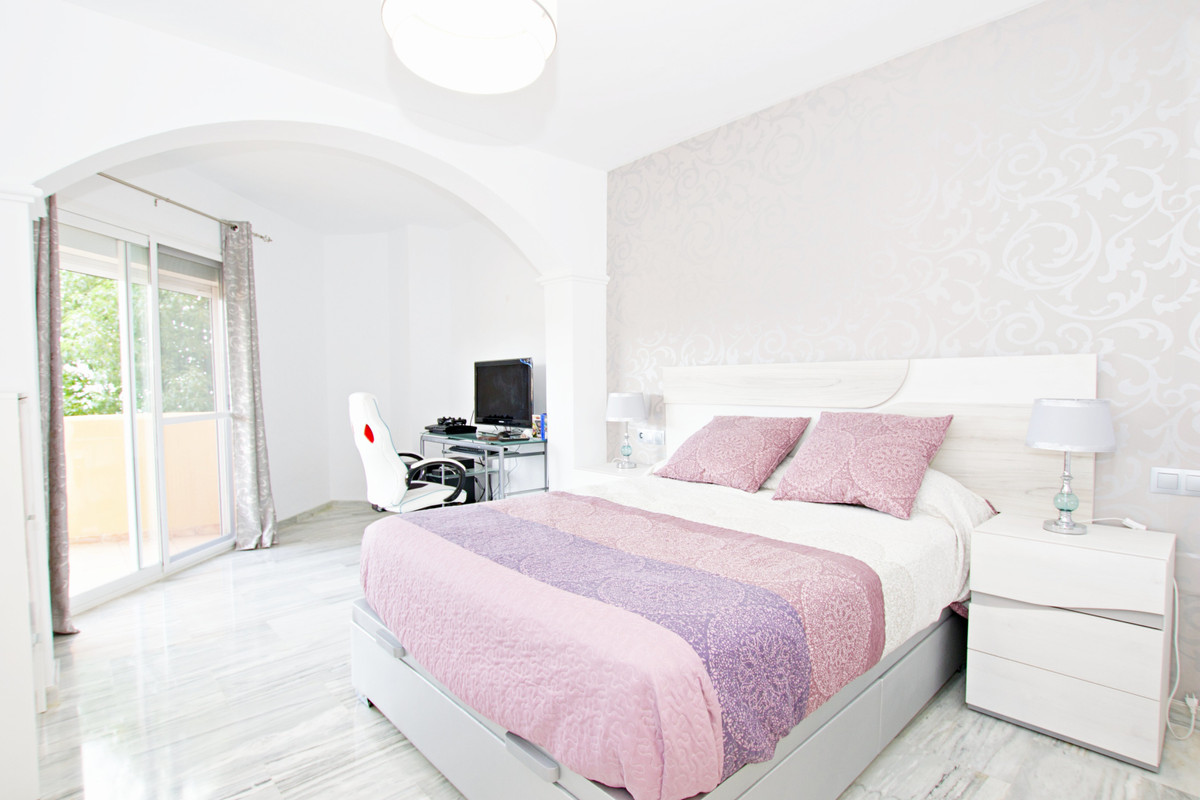 Marbella Banus Apartamento en Venta en Calahonda – R3675089