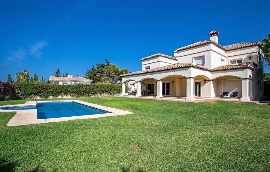 Villa  Independiente en venta   en Artola