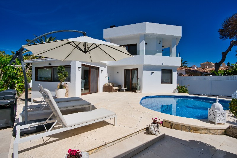 Contemporary villa close tot the beach in Marbesa. Immaculate villa completely refurbished in 2019 o,Spain