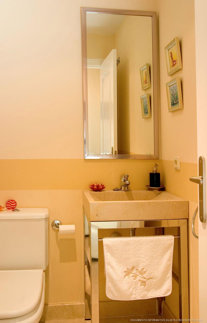Apartamento Planta Media en Venta en Benahavís – R3688790