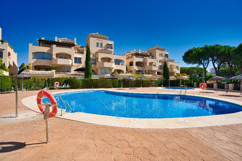 Immaculately presented and well positioned apartment in the sought after development of Hacienda Elv, Spain