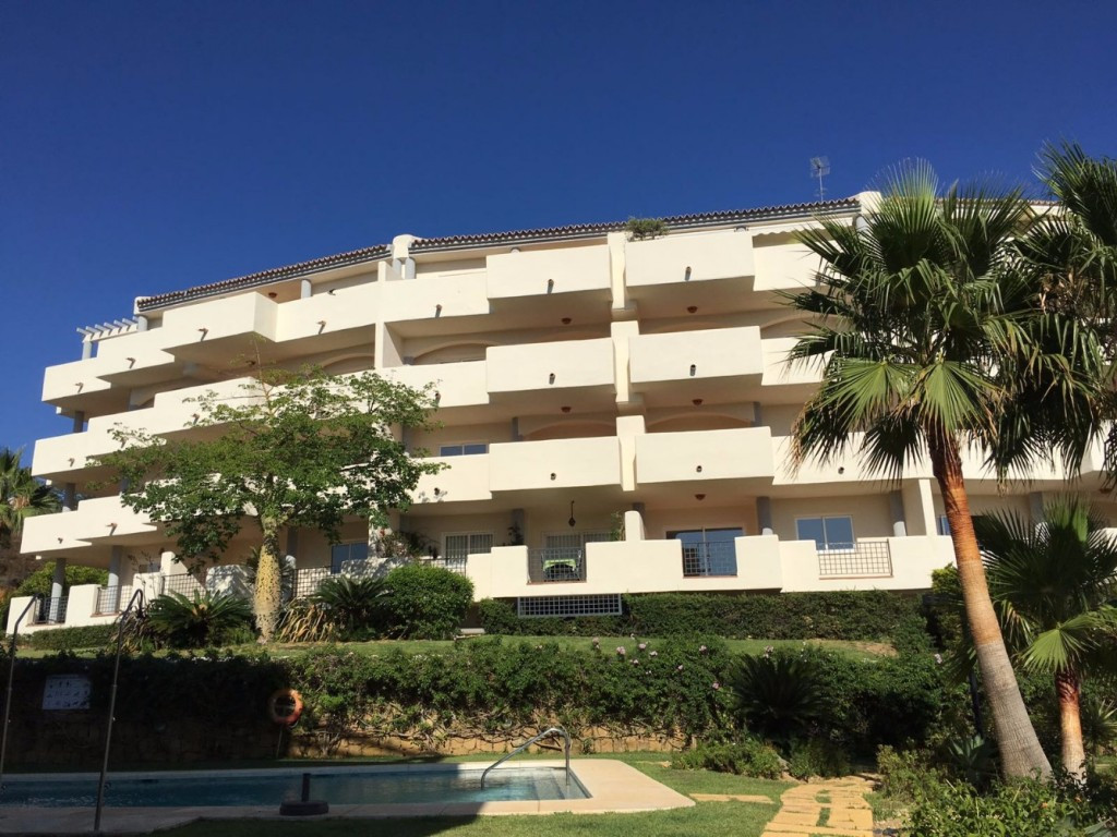 FOR SALE Lovely, spacious penthouse apartment with 2 bedrooms / 2 bathrooms with panoramic sea and m, Spain