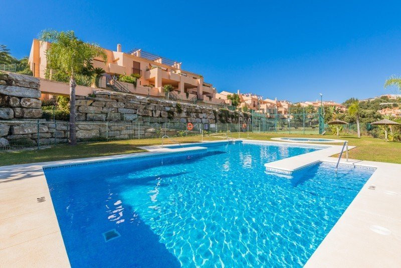 Penthouse for sale in La Mairena, Marbella East, with 2 bedrooms, 2 bathrooms, 1 en suite bathrooms,, Spain