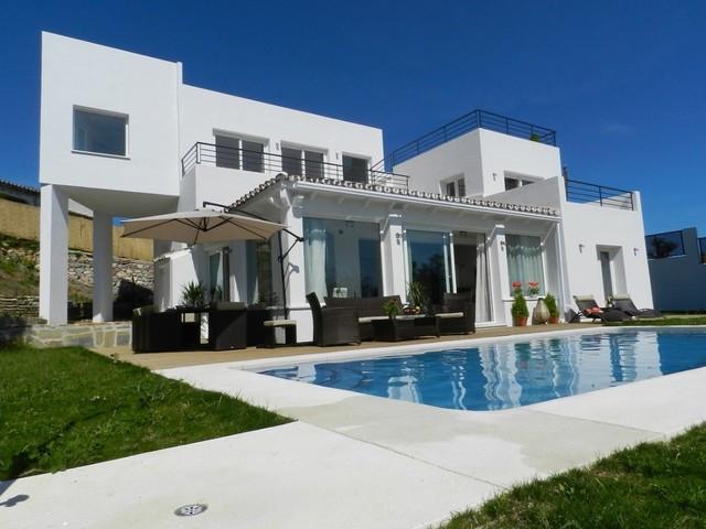 Marbella Banus Villa en Venta en El Rosario – R2004983