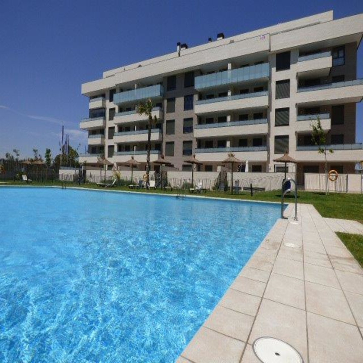 READY FOR OCCUPATION. RESALE APARTMENT. Private vendor selling this brand new south west facing 2 be,Spain