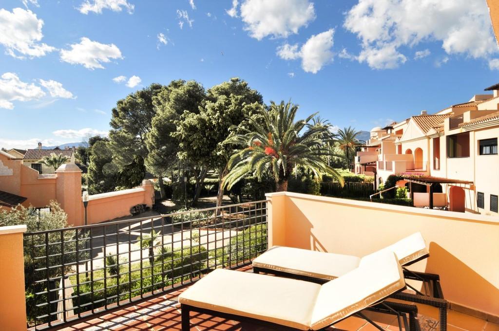 Marbella Banus Apartamento Planta Media en Venta en Puerto Banús – R3503842