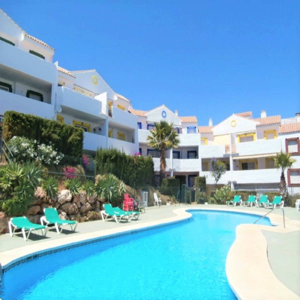 Charming Sunny Penthouse in Riviera del sol. The South facing terrace benefits from all day sun and ,Spain