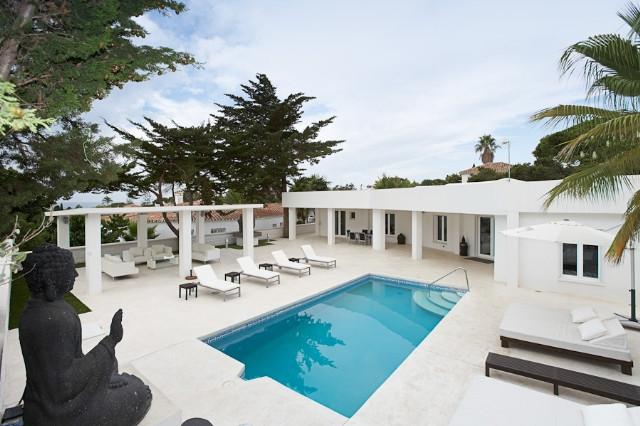 Villa  Individuelle en vente   à Marbesa