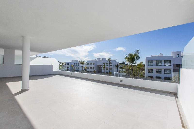 KEY READY LUXURY APARTMENT. READE TO MOVE IN BY SEPTEMBER 2018. Situated in the heart of Atalaya Alt,Spain