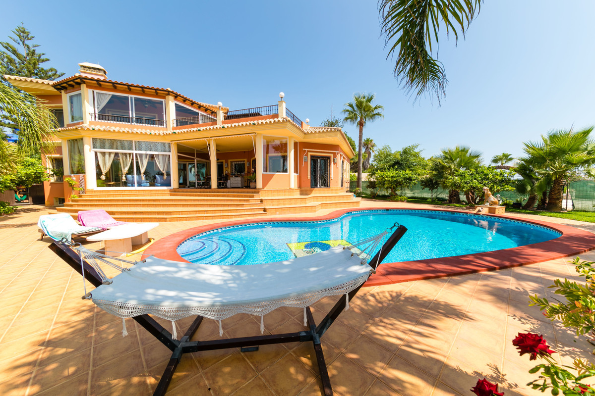 Beautiful villa built to the highest quality standards in Carib Playa/Marbella. Fabulous 4 bedroom v, Spain