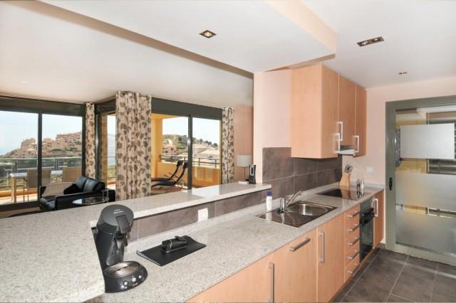 Apartamento Planta Media en Venta en Calahonda – R3291670