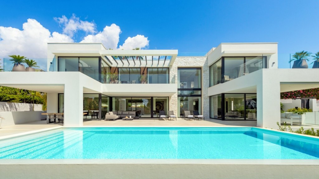 KEYREADY. Located in the very exclusive  area of Marbesa/ Marbella within a short walking distance t,Spain