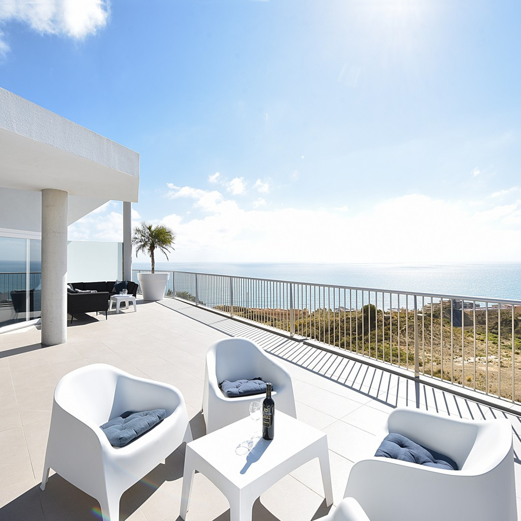Penthouse for sale in Higueron. Last penthouse available in South Beach! Spectacular penthouse of la,Spain