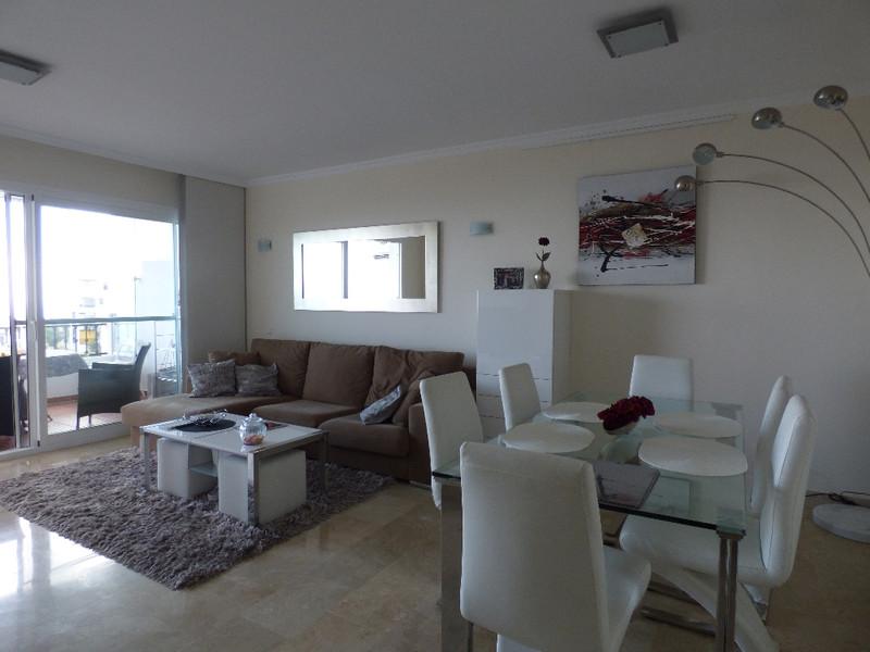 Apartamento Planta Media en venta, Calahonda – R3385417