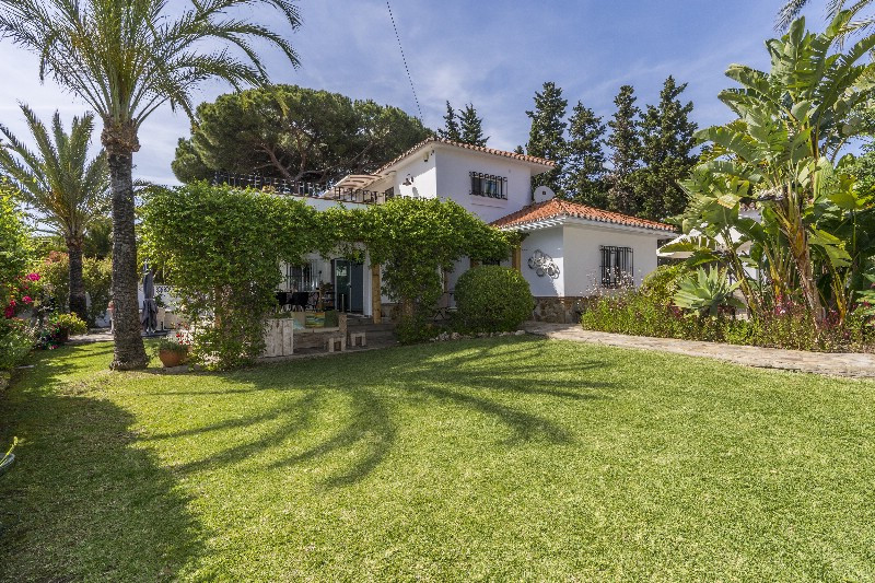 This beautiful house is situated in one of Marbella´s most established urbanizations, in Marbesa. Th,Spain
