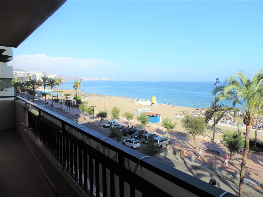 Apartments for sale first line beach in Los Boliches, Fuengirola. They consist of 2 bedrooms, 1 bath,Spain