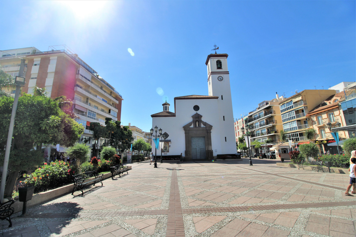 Apartment for sale in the centre of Fuengirola surounded by all kind of services and still in a quie,Spain
