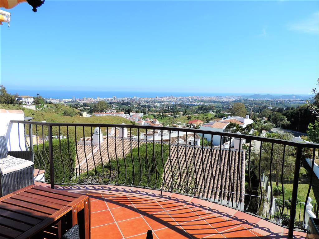 A treasure of luxury townhouse with panoramic and spectacular views of the sea in a beautiful and qu, Spain