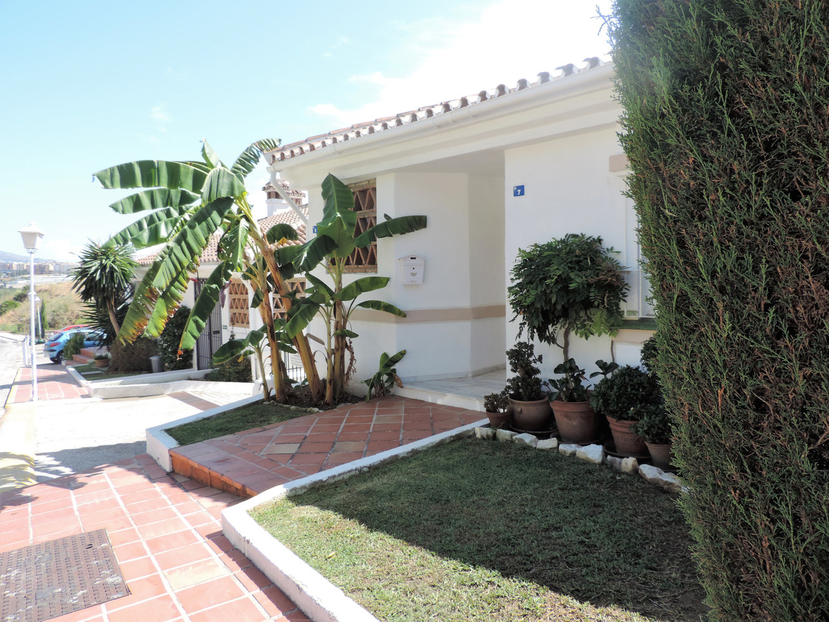 Beautiful townhouse on only one level in Cerros del Aguila in a quiet urbanization with 2 bedrooms, ,Spain
