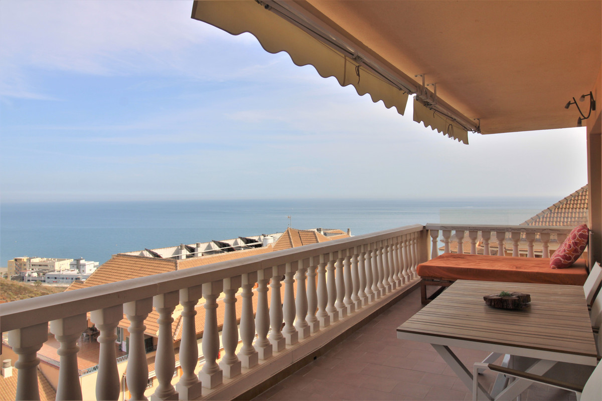Beautiful apartment in Carvajal with panoramic sea views. Near the train station and the sea. Large , Spain