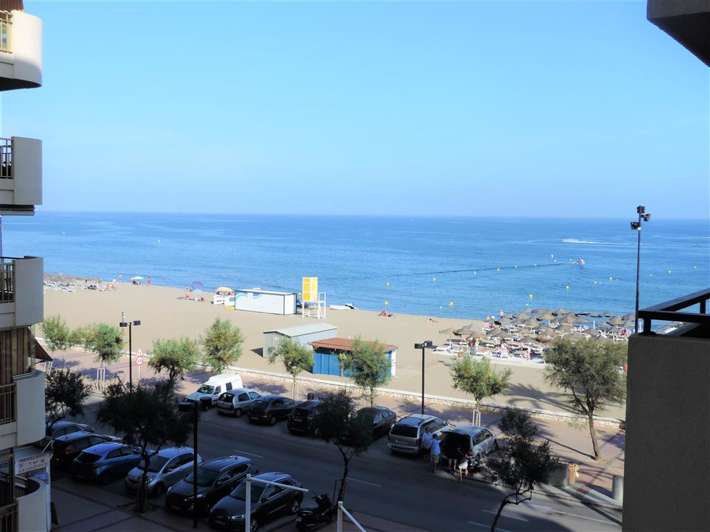 Apartments for sale first line beach in Los Boliches, Fuengirola. They consist of 1 bedroom, 1 bathr,Spain