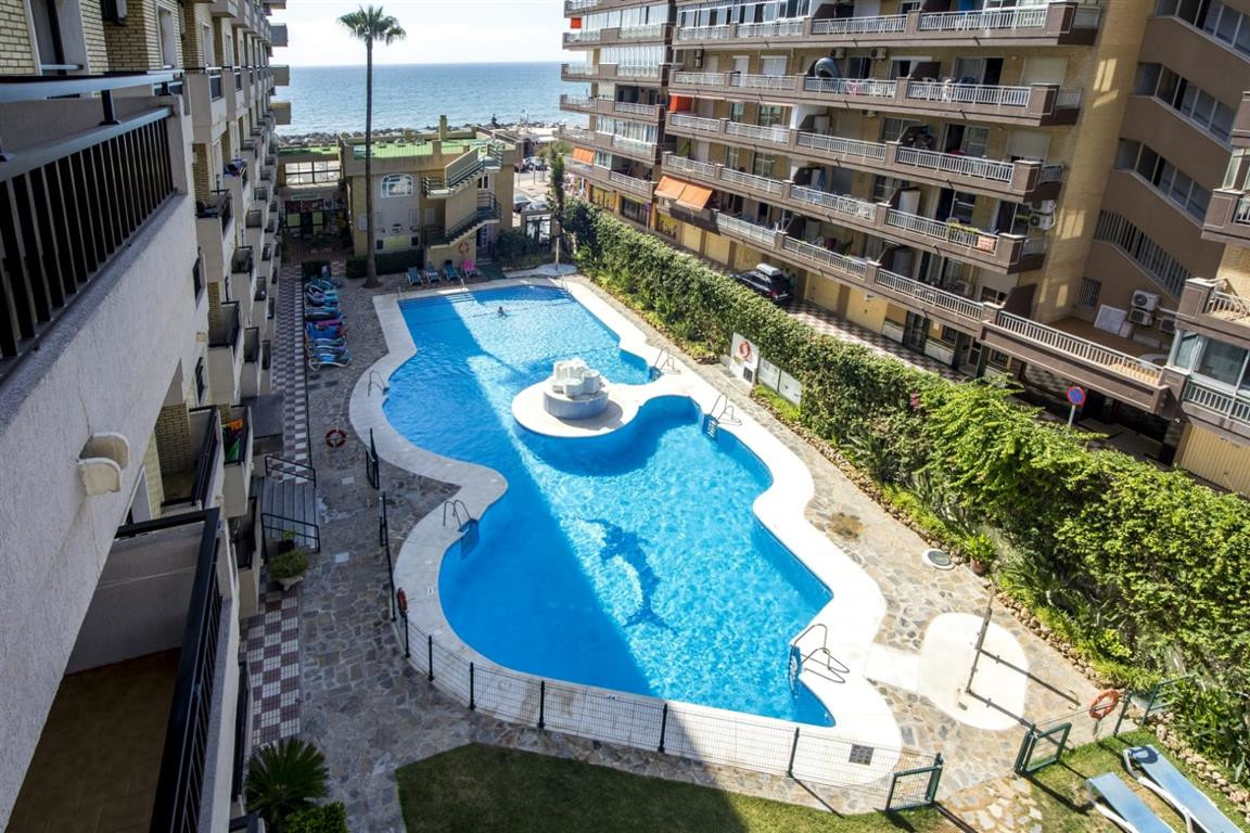 Studio apartments for sale first line beach in Los Boliches, Fuengirola, with 1 bathroom, american k,Spain