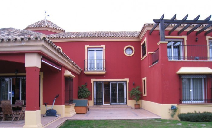 BEAUTIFUL VILLA LOCATED IN A RESIDENTIAL AREA OF MARBELLA, WITH 3 BEDROOMS, 2 BATHROOMS AND A TOILET,Spain