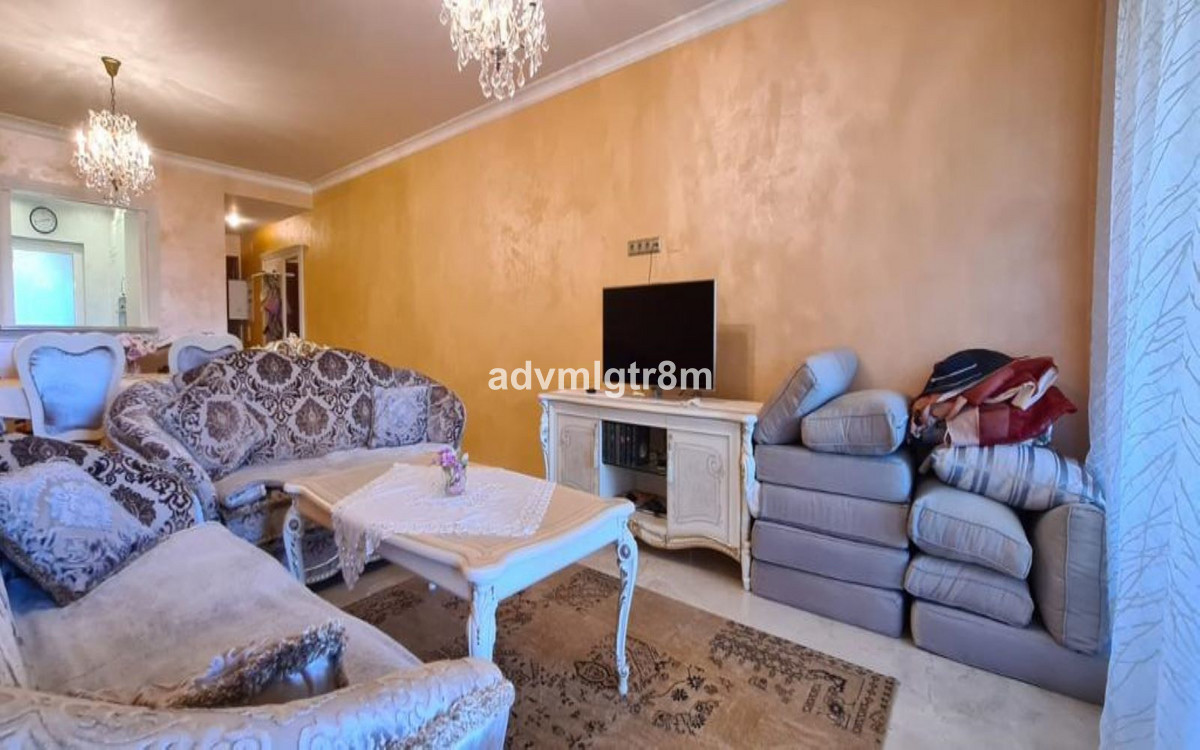 Apartamento Planta Media en Venta en Atalaya – R3668318