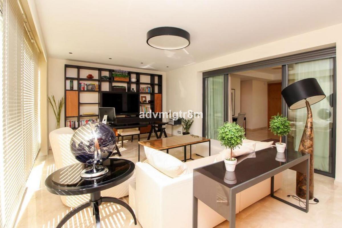 House in Sierra Blanca R3517561 13