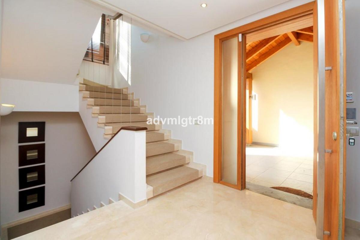 House in Sierra Blanca R3517561 29