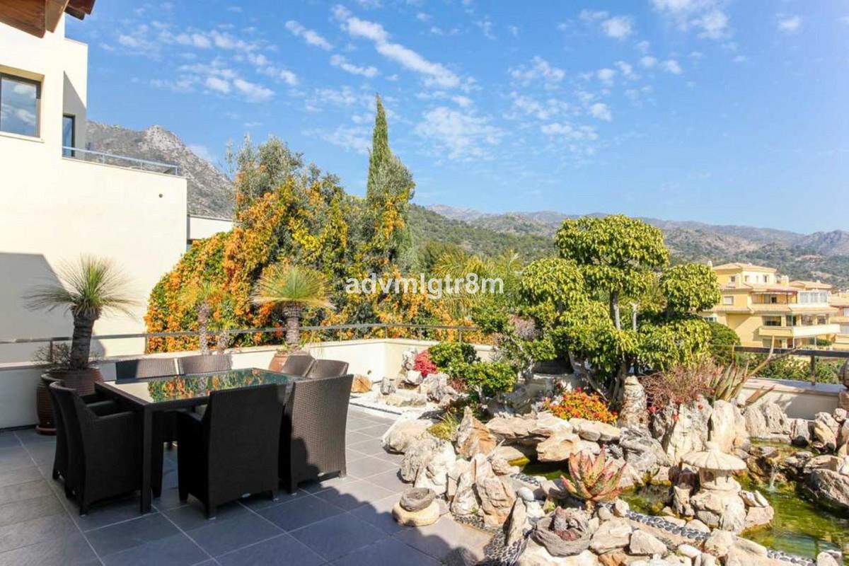 House in Sierra Blanca R3517561 35