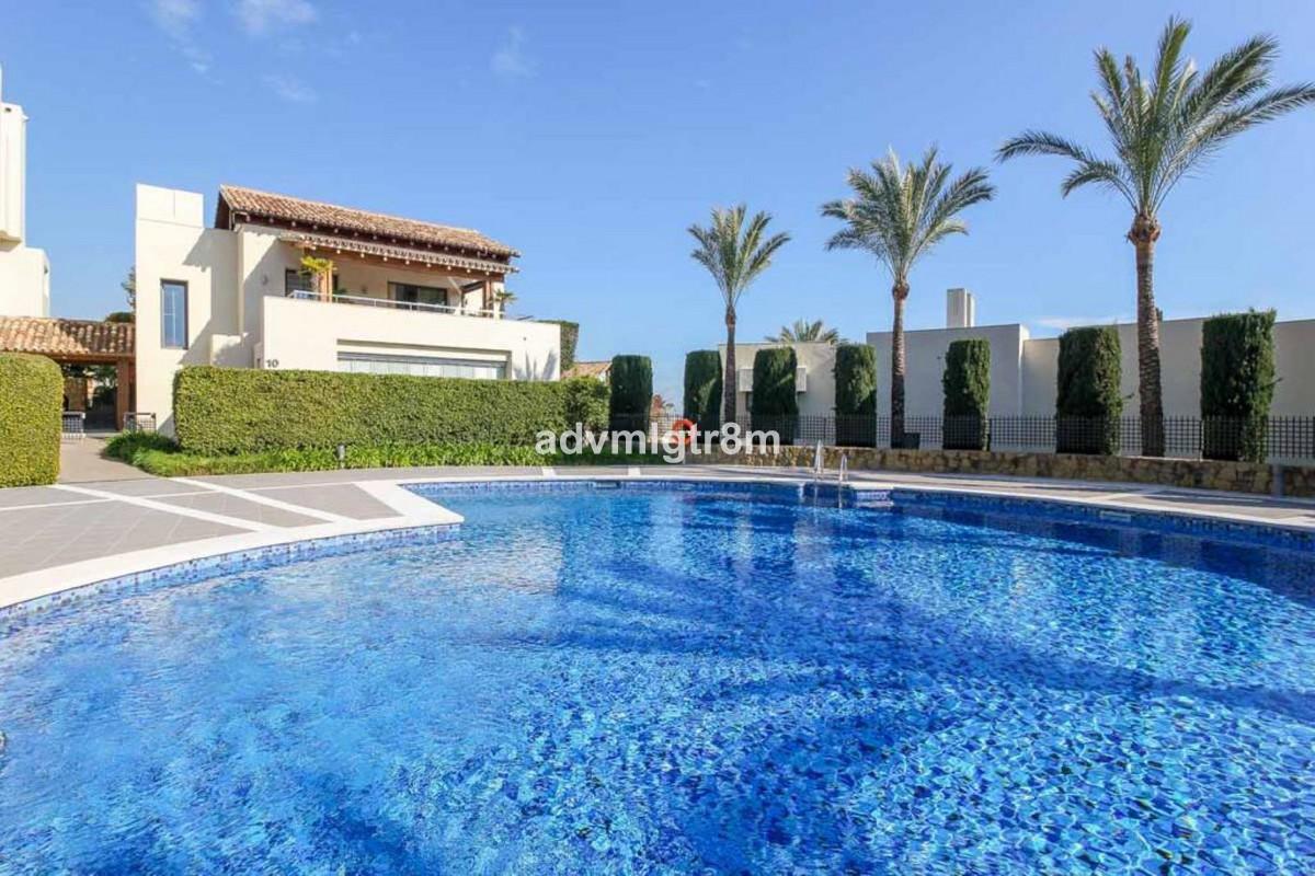 House in Sierra Blanca R3517561 37