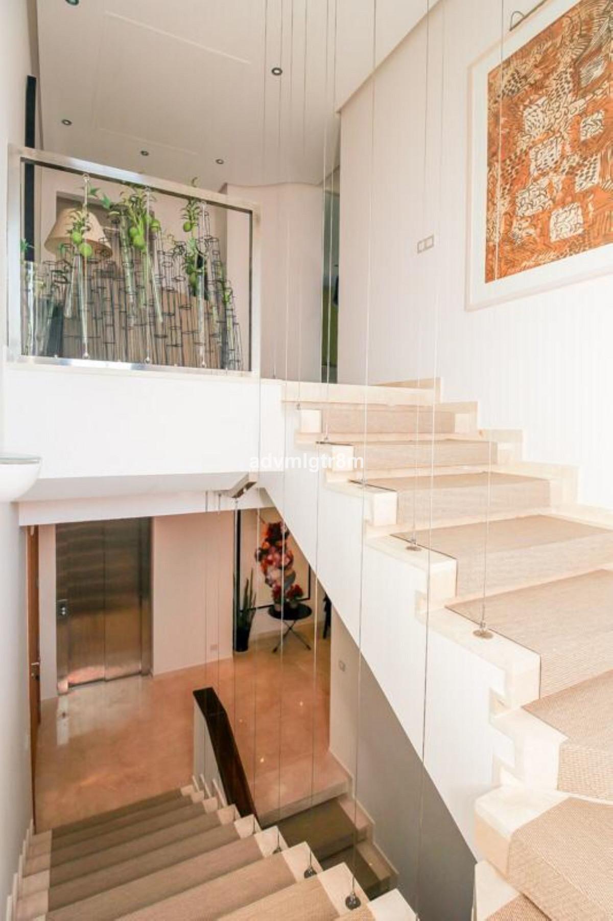 House in Sierra Blanca R3517561 40