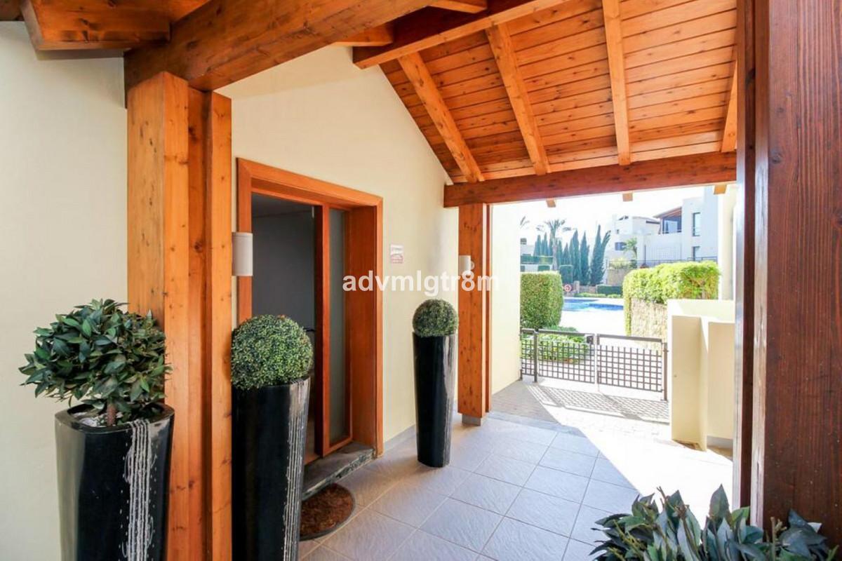 House in Sierra Blanca R3517561 41