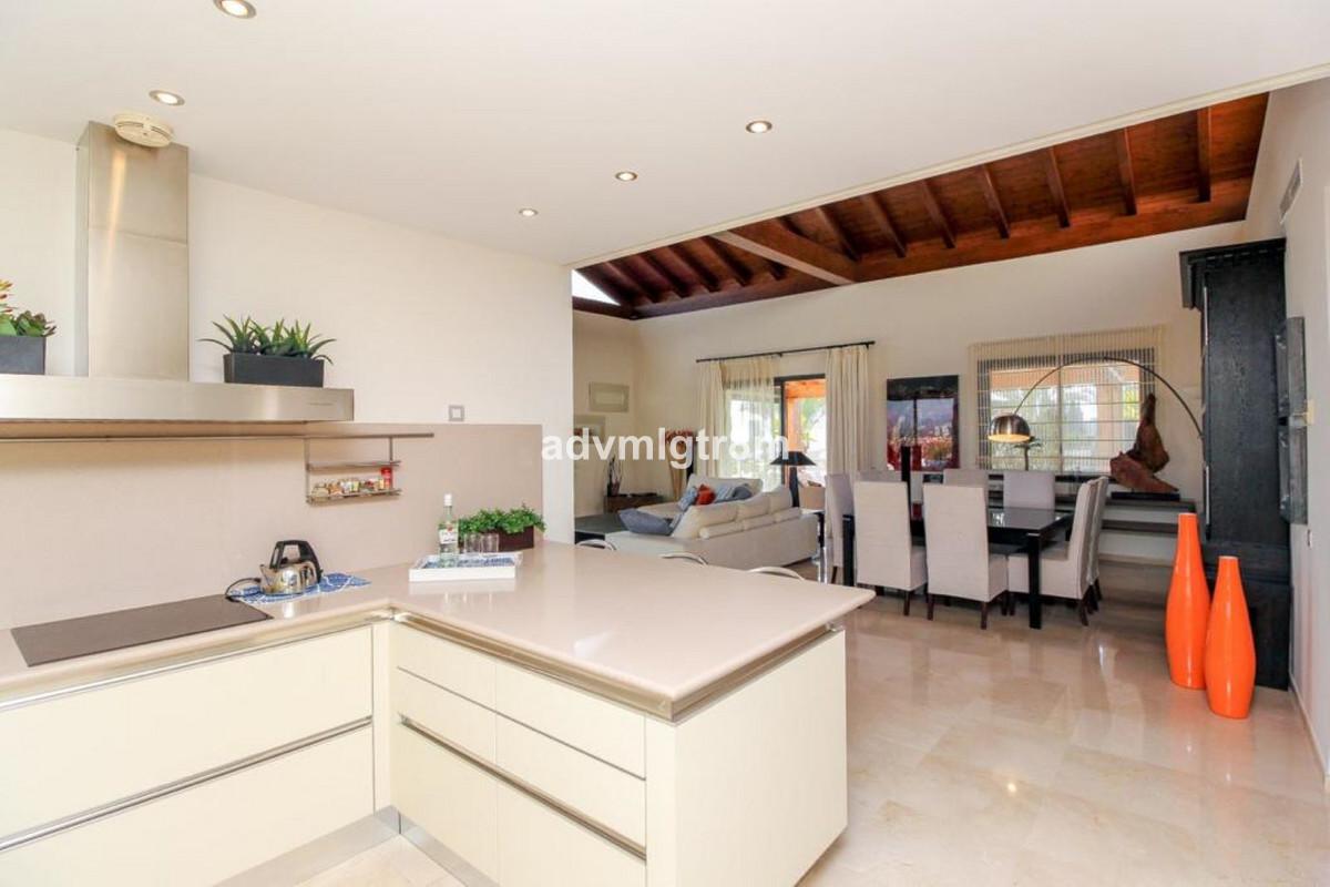 House in Sierra Blanca R3517561 5
