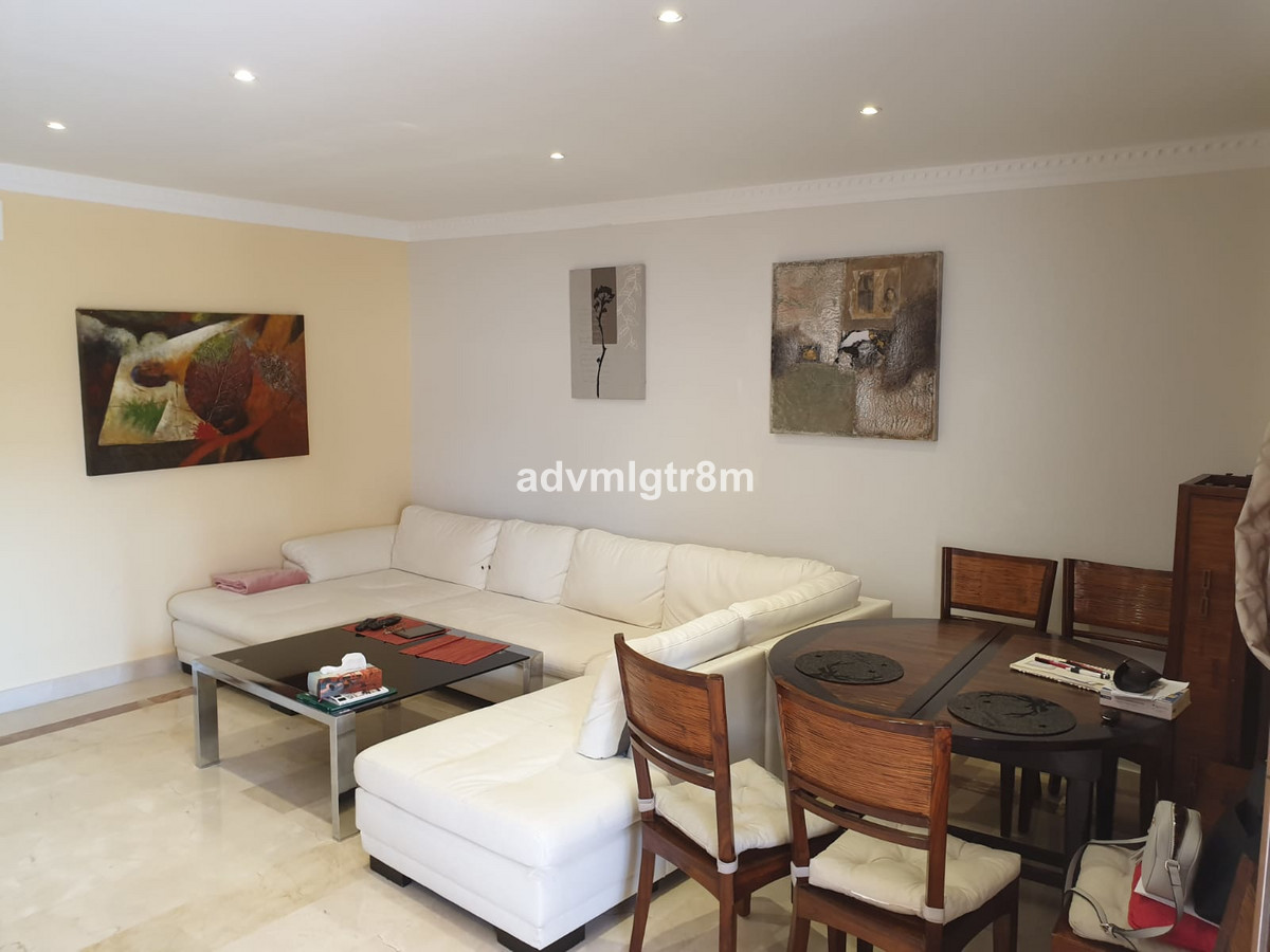 Middle Floor Apartment, Benahavis, Costa del Sol. 2 Bedrooms, 2 Bathrooms, Built 120 m 2;, Terrace 4, Spain