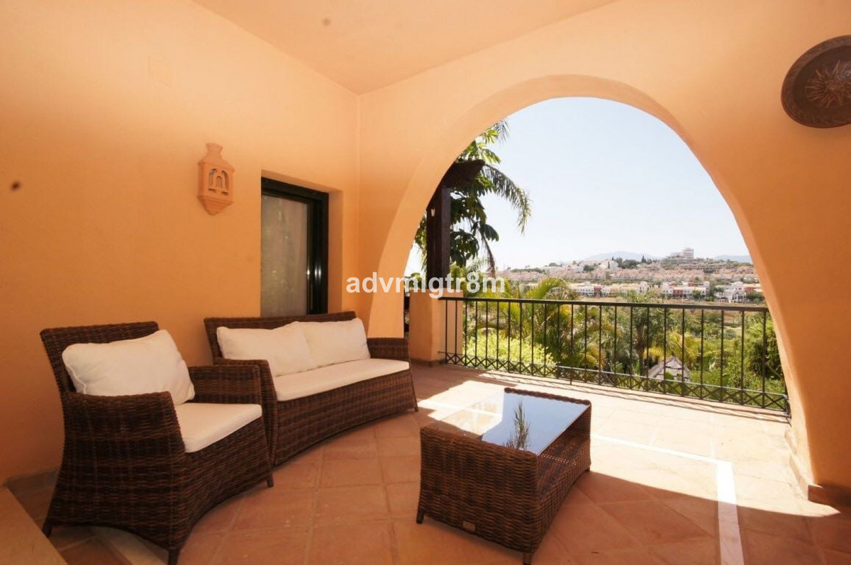 Middle Floor Apartment · Atalaya